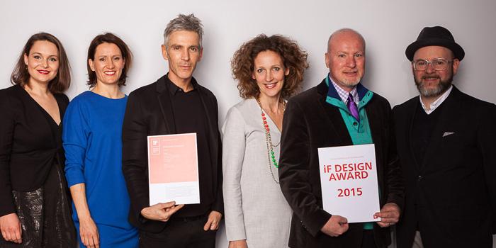 Florina Trost, Michaela Finkenzeller, Frank Hoffmann, Astrid van de Auwera, Paul Czornij and Mark Gutjahr accept the iF award on behalf of BASF.