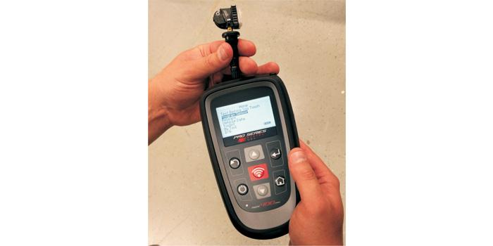 Tech400Pro programming the new Single EZ-sensor.