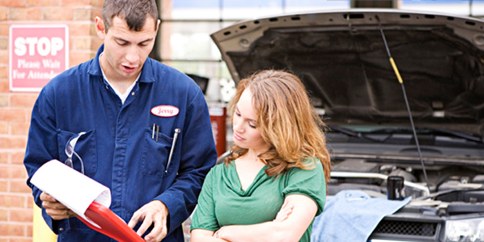 auto-repair-with-customer